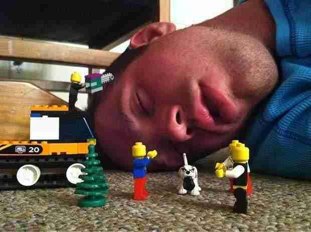 14 razones por las que no deberías quedarte dormido en una fiesta. ¡Ya estás avisad@! - 3
