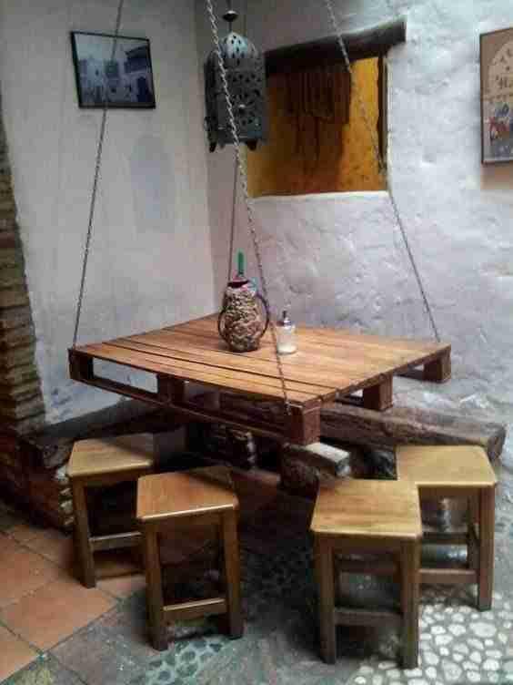 15 muebles hechos con palets de madera que puedes hacer t for Muebles hechos con palets de madera