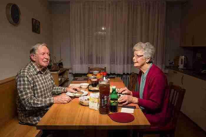 1507661263 795 esta fotografa muestra lo distinta que es la hora de cenar segun distintas familias de eeuu - Esta fotógrafa muestra lo distinta que es la hora de cenar según distintas familias de EEUU