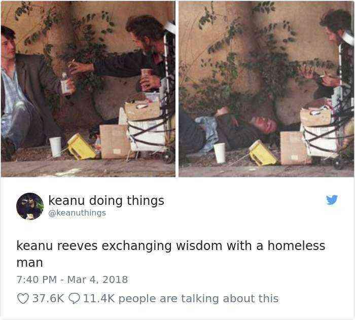 Keanu Reeves intercambiando sabiduría con un indigente