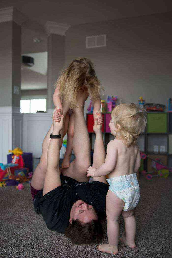 La maternidad es entretener a tus hijos