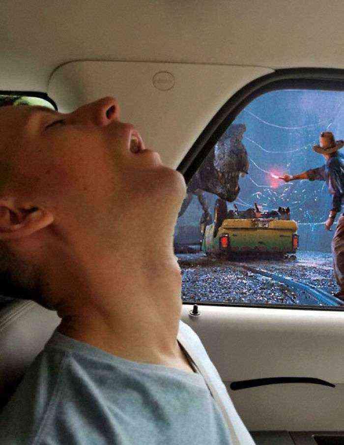 1531499161 24 este hombre se durmio durante un viaje y su novia pidio en internet que photoshopearan lo que se perdio por el camino - Este hombre se durmió durante un viaje y su novia pidió en internet que photoshopearan lo que se perdió por el camino