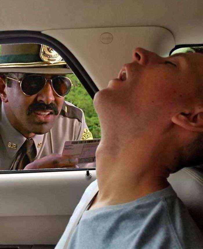 1531499161 802 este hombre se durmio durante un viaje y su novia pidio en internet que photoshopearan lo que se perdio por el camino - Este hombre se durmió durante un viaje y su novia pidió en internet que photoshopearan lo que se perdió por el camino