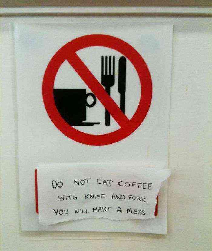 No Comas Café Con Cuchillo Y Tenedor. Lo Mancharás Todo.