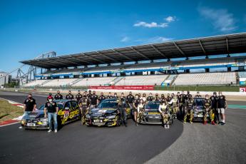 106 el equipo femenino gitiracing consigue la victoria en la clase sp8 de las 24 horas de nurburgring - El equipo femenino #gitiracing consigue la victoria en la clase SP8 de las 24 horas de Nürburgring