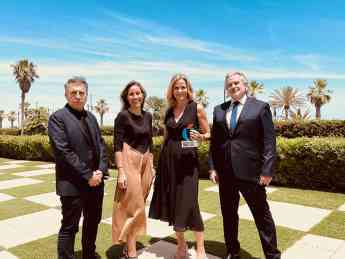 371 casas del mediterraneo recibe el premio a la excelencia inmobiliaria en su 25 aniversario - Casas del Mediterráneo recibe el Premio a la Excelencia Inmobiliaria en su 25 aniversario
